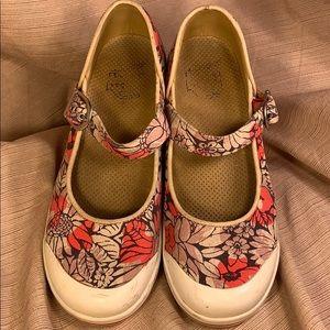 Dansko vegan maryjanes flower pattern clogs/shoes
